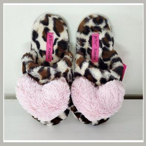 🎀 Betsey Johnson Cheetah Heart Slippers Size 7-8
